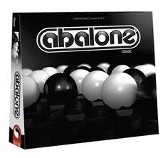 Abalone, 61 delikli altıgen bir zeminde, on dörtlü 2 takım halinde, biri siyah ve biri beyaz olan, 30x30x6 boyutlarında bir zekâ oyunudur. Japonların mermerlerle oynadığı sumo güreşine benzemektedir. Amaç rakiplerin taşlarını dışarı atmaya çalışmasıdır