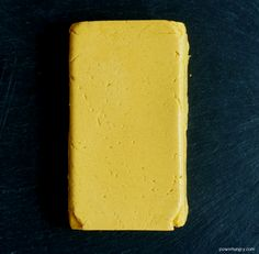 Chickpea Flour Cheddar Cheese {Vegan, Oil-Free, Nut-Free, Soy-Free} - Got 10 minutes? Then you have enough time to make some INCREDIBLE Cheddar Cheese! Made with chickpe - Easy Vegan Cheese Recipe, Vegan Cheddar Cheese, Veggie Cheese, Cheese Fruit, Dairy Free Cheese, Dairy Free Recipes, Vegan Gluten Free, Vegan Recipes, Cooking Recipes