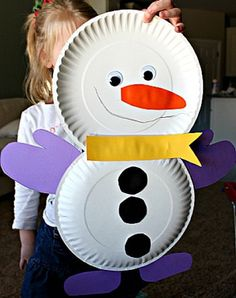 35+ snowman crafts ideas for kids, preschoolers and adults. Homemade snowman crafts to make and sell. Fun and easy snowman projects, patterns. How to make snowmen using clay, paper, felt. Snowman art.