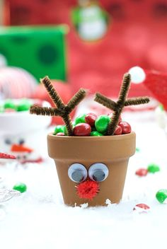Christmas Kid's Craft: Holiday Character Candy Pots Crazy Little Projects - Making Life Happy Christmas Crafts For Gifts, Christmas Activities, Crafts For Kids, Christmas Projects, Craft Kids, Simple Christmas, Kids Christmas, Potted Christmas Trees, Xmas Theme