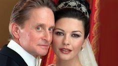 Sie glauben, Ihre Hochzeit war teuer? Wir können Sie beruhigen: Die teuersten Promi-Hochzeiten überbieten das wahrscheinlich. Michael Douglas und Catherine Zeta-Jones ließen für den schönsten Tag im Leben zum Beispiel 1,5 Millionen Dollar springen.
