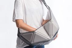 Not only aesthetically awesome, the Roga baby carrier is uniquely functional to make parents' lives easier (and more stylish!). The flexible design envelopes little ones to