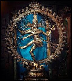 ♪┗ ( ・o・) ┓♪ A Visual Sermon ♪┏(・o・ )┛♪ Shiva Tandav, Rudra Shiva, Shiva Statue, Shiva Art, Shiva Photos, Arte Dope, Shiva Lord Wallpapers, Lord Shiva Family, Lord Shiva Painting
