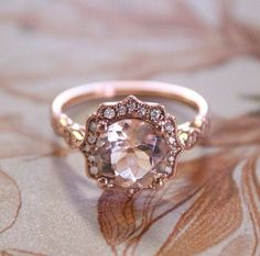Beautiful vintage style rose gold right