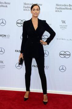 Irina Shayk bei der Modenschau von Marc Cain | Alle Promis bei der Berlin Fashion Week Januar 2016 | POPSUGAR Deutschland Stars Photo 39