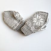 Baby mittens in a traditional Scandinavian pattern, now also with a thumb! Suitable for novice knitters wanting to learn how to knit mittens or fairisle patterns according to charts. Baby Mittens, Knit Mittens, Knitted Hats, Scandinavian Pattern, Fair Isle Pattern, Learn How To Knit, Charts, Ravelry, Wool