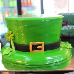 Celebrate ST Patrick's Day  on  Friday 17 book now Your special cake @ARBAKES  in advance