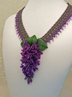 RESERVED for KTD Raindrops on Lilacs Beadwork Necklace I love the beadwork in this lilac necklace! Seed Bead Jewelry, Bead Jewellery, Beaded Jewelry, Handmade Jewelry, Beaded Necklaces, Jewelry Patterns, Beading Patterns, Ideas Joyería, Beading Projects