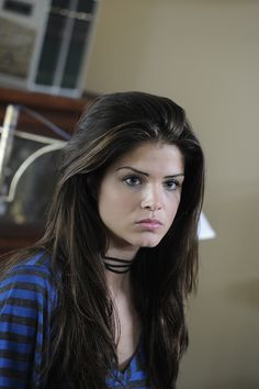 Marie Avgeropoulos.