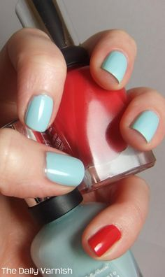 Taylor Swift Nails - Sally Hansen Complete Salon Manicure in Barracuda & Madame X