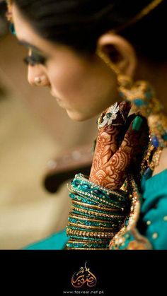 Dulhan Bride Indian Pakistani Desi South Asian Wedding Bangles Henna Mehndi