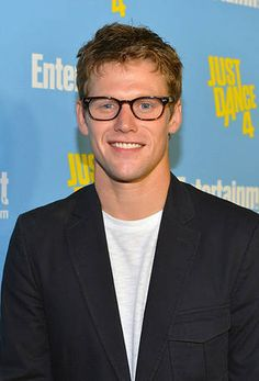 Zach Roeig, so adorable in glasses.