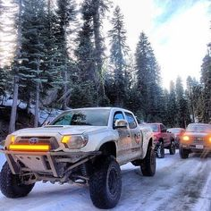 Toyota Tacoma Off Road - Get Your Buddies together. there's nothin' better! Toyota Trucks, Toyota Cars, Toyota Hilux, 4x4 Trucks, Diesel Trucks, Custom Trucks, Toyota Tacoma Off Road, Tacoma 4x4, Tacoma Truck