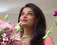 Aishwarya Rai In Pink Saree.