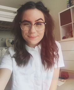 i have a crush on dodie clark { come with me to my pinterest party we have tea and aesthetic stuff }