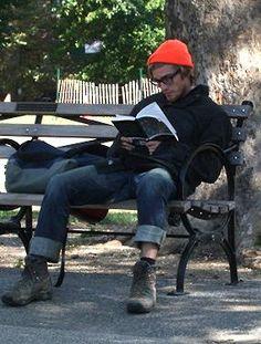 someone just took a random pic of a stranger reading? um ok