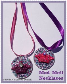 Second Chance to Dream: Mod Melt Necklaces … Homemade Jewelry, Diy Jewelry, How To Dye Fabric, Dyeing Fabric, Diy Necklace, Necklaces, Mod Melts, Mc Escher, Make Your Own Jewelry