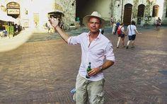 Love it when our client send us random photos, this one in San Gimignano!  www.vivatuscanytours.com?utm_content=buffer52819&utm_medium=social&utm_source=pinterest.com&utm_campaign=buffer Beyond Words, When Us, Tuscany, Campaign, Italy, San, Content, Medium, Random