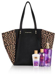 Tote negra Love Spell set de Mist 250 ml, Body Wash 125 ml, y Crema Corporal Love Spells, Smell Good, Cheetah Print, Purse Wallet, Victoria's Secret Pink, Supermodels, Purses And Bags, Fashion Accessories, Perfume
