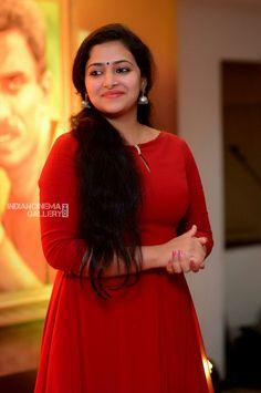 Anu Sithara Actress Photos Stills Gallery Beautiful Girl Indian, Most Beautiful Indian Actress, Beautiful Actresses, Beautiful Women, Indian Actress Hot Pics, Actress Photos, Indian Actresses, Beauty Full Girl, Beauty Women