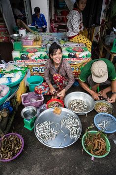vietnam in pictures part three Beautiful Vietnam, Asian Street Food, Asian American, Vietnam Travel, Trip Planning, Food Photography, Pictures, Background Ideas, Hanoi