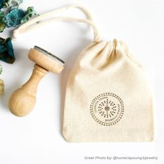 Logo stamp for custom muslin bags, custom jewelry packaging, custom boxes with logo, custom je Pretty Packaging, Bag Packaging, Custom Packaging, Diy Jewelry Packaging, Packaging Ideas, Custom Stamps, Custom Labels, Jewelry Logo, Custom Jewelry