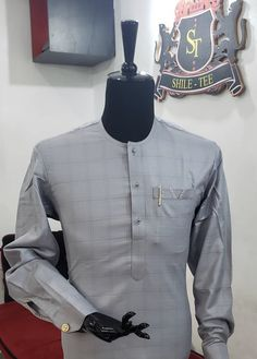African Dresses Men, African Attire For Men, African Wear, Nigerian Men Fashion, African Men Fashion, African Beauty, Native Wears, Men's Fashion, Fashion Outfits