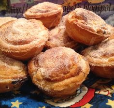 Pasteis de feijao (petits gâteaux aux haricots blancs). Recette portugaise étonnante mais tellement savoureuse. A découvrir très rapidement !!