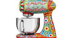 Italian fashion designer company Dolce & Gabbana is collaborating on small kitchen appliances that are so pretty, you'll never want to put them away.