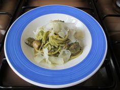 JHS/ Spaghetti ai funghi e pesto di basilico alla genovese Gino D'Aquino