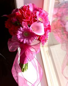 The Flower Girl Blog: hot pink bridal bouquet.... Love this!  Just add some stargazer lilies!