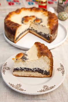Pasca cu mac: Diva in bucatarie Romanian Desserts, Romanian Food, Romanian Recipes, Easter Recipes, Dessert Recipes, Mac Recipe, Artisan Food, Cheesecakes, Food And Drink