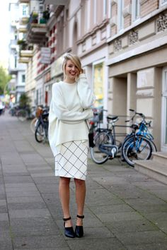 { slouchy sweater x pencil skirt x heels }