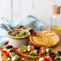 Pomysł na Sylwestra - szybkie crostini z pesto z rukoli Pesto, Chilli, Tacos, Mexican, Ethnic Recipes, Blog, Blogging, Mexicans