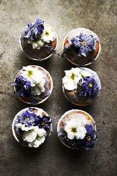 ... lavender cupcakes with candied primroses ...
