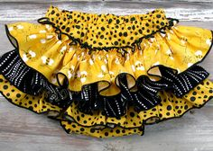 Buzzing Bee Ruffle Bloomer Birthday Diaper Cover Coming home Bloomers Newborn Baby Toddler Yellow White Black Polka Dots Bella Baby Blu 5651 Party Wear Maxi Dresses, Baby Pageant Dresses, Little Girl Skirts, Ruffle Diaper Covers, Ruffle Bloomers, Lehnga Dress, Cool Baby Stuff, Kids Fashion, Polka Dots