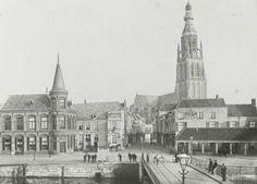 Breda - Haven - De foto komt uit een reportage van de Bredase Brandweer - 1895. Old Pictures, Netherlands, Paris Skyline, Holland, Art Deco, Architecture, City, Places, Travel