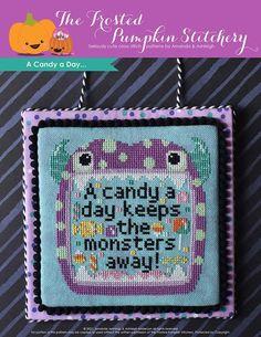 Kawaii Cross Stitch, Cute Cross Stitch, Cross Stitch Patterns, Kawaii Halloween, Halloween Cross Stitches, Dmc Embroidery Floss, Cute Diys, Craft Kits, Cross Stitching