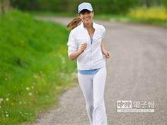【國際癌症機構 發佈12條防癌建議】 適當運動是預防癌症的建議之一。(摘自網路)