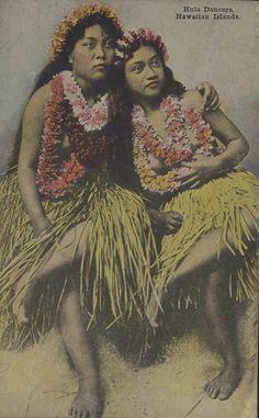old hand colored photo postcard of Hula dancers, Hawaii