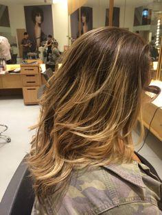 Corte de cabelo médio repicado