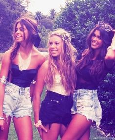 summer style fashion jewelry shorts hippie denim girlie fashion photography