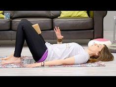 Yoga para la incontinencia urinaria - YouTube Pilates, Capri Pants, Pajama Pants, Youtube, Urinary Incontinence, Yoga Teacher, Yoga Tips, Yoga Poses, Natural Remedies