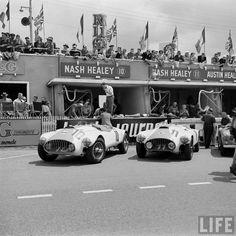 (10) Yves Giraud-Cabantous / Pierre Veyron - Nash-Healey Sports - Nash Healey Inc - (11) Leslie Johnson / Bert Hadley - Nash-Healey Sports - Nash Healey Inc - XXI Grand Prix d'Endurance les 24 Heures du Mans - 1953