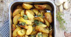 Ok, da. En litt drøy påstand, jeg innrømmer det. Men jeg synes dette er verdens beste ovnsbakte poteter, og ting som kan synes som unødven...