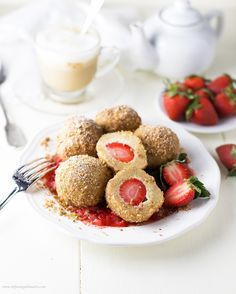Healthy Topfenknödel mit Erdbeeren