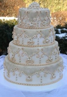 Beautiful detail on Wedding Cake! Gorgeous Cakes, Pretty Cakes, Amazing Cakes, Cupcakes, Cupcake Cookies, Wedding Cake Designs, Wedding Cakes, Fantasy Cake, Specialty Cakes