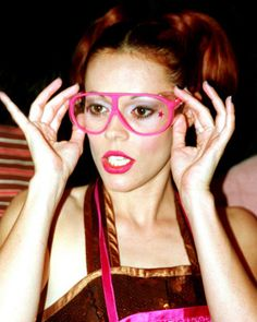 Lady Miss Kier - so beautiful.  Those pinkies appear not to have lenses in them.  I would need lenses to see.