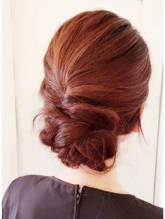 大人っぽいシニヨン♡結婚式お呼ばれのヘアアレンジ♪ロングヘア列席者さんの髪型参考一覧♡