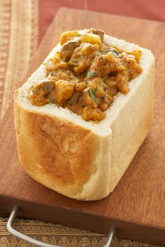 The Best of South African Food: Bunny Chow, Durban, South Africa South African Dishes, South African Recipes, Indian Food Recipes, Africa Recipes, Lamb Recipes, Curry Recipes, Cooking Recipes, Mince Recipes, Oven Recipes